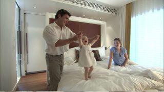 famiglia felice camera da letto